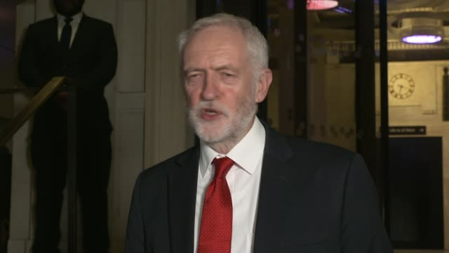labour manifesto meeting jeremy corbyn departure statement england london savoy place photography ** jeremy corbyn from savoy place and statement to... - white collar worker stock videos & royalty-free footage