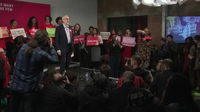 labour party rally in hoxton cutaways england london hoxton int jeremy corbyn speech sot / cutaways / corbyn on stage with diane abbott emily... - diane abbott stock videos & royalty-free footage