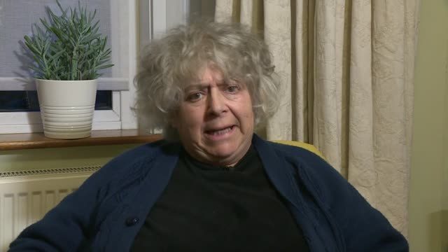 vídeos de stock e filmes b-roll de miriam margolyes interview on labour antisemitism row england london int miriam margolyes 2way interview sot - miriam margolyes