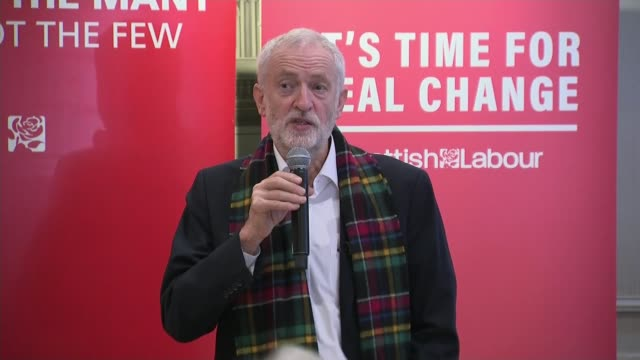 general election 2019: nhs hospital waiting times hit worst ever level; scotland: dundee: int jeremy corbyn heckled by audience member during speech... - スコットランド ダンディー点の映像素材/bロール