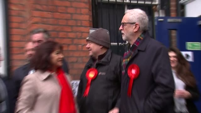 general election 2019: polling day; england: london: islington: ext gv jeremy corbyn thumbs up by sign for polling station jeremy corbyn speaking to... - islington stock videos & royalty-free footage