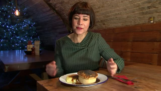 putney england london putney int fleur anderson speaking about being a vegetarian and ordering a bean pie sot will sweet talking about ordering a... - vegetarian food stock videos & royalty-free footage