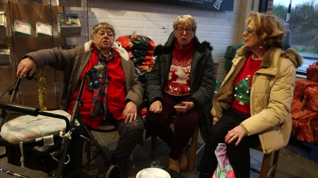 general election 2019: the conversation: view from hastings and rye; england: sussex: hastings and rye: ext various shots of carol singers singing... - carol singer stock videos & royalty-free footage