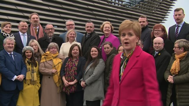 speculation about who will be appointed labour leader scotland dundee v a museum ext various shots of nicola sturgeon msp posing for photocall with... - elezioni generali video stock e b–roll