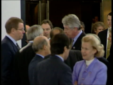 general election date/ european summit gv delegates chatting including javier solana ms french prime minister lionel jospin chatting other delegates... - バーティ アハーン点の映像素材/bロール