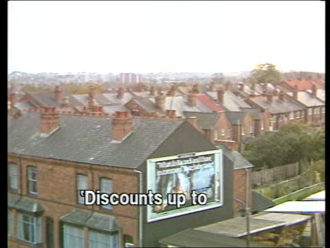 housing england northfield ms council houses now owner occupied want to extend right to buy houses ts rooftops of old style houses ms people in... - allgemeine wahlen stock-videos und b-roll-filmmaterial