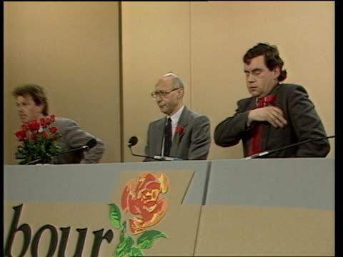 roundup:; england: london: int gerald kaufman , gordon brown mp and unidentified politician on pkf platform yorks: halifax: cms bryan gould speech... - gordon brown stock-videos und b-roll-filmmaterial