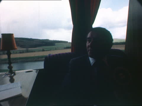 stockvideo's en b-roll-footage met the nation decides: david steel on his campaign; scotland: scottish borders: ext david steel and wife judith macgregor departing house steel and... - david steel politiek