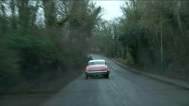 general electkion 2015: channel 4 news cadillac tour: chippenham; england: wiltshire: int car view from the channel 4 news 2015 general election... - チッペナム点の映像素材/bロール