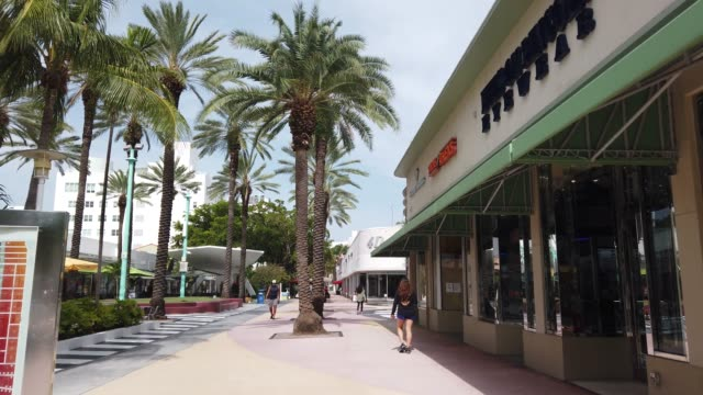 general footage of the lincoln road mall area on july 09 2020 in miami beach florida today is the first day that restaurants have been asked by... - miami dade county stock videos & royalty-free footage