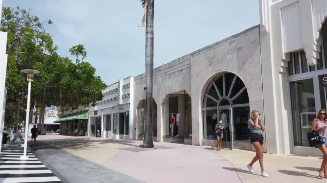 general footage of the lincoln road mall area on july 09, 2020 in miami beach, florida. today, is the first day that restaurants have been asked by... - florida us state stock videos & royalty-free footage