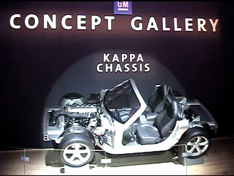 stockvideo's en b-roll-footage met of general motors' kappa platform chassis display; chassis was used for the pontiac solstice, saturn sky, opel gt, and the chevrolet nomad and saturn... - chassis