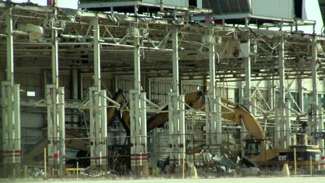 ws zo general motors plant under demolition in lansing, michigan, usa - lansing stock videos & royalty-free footage