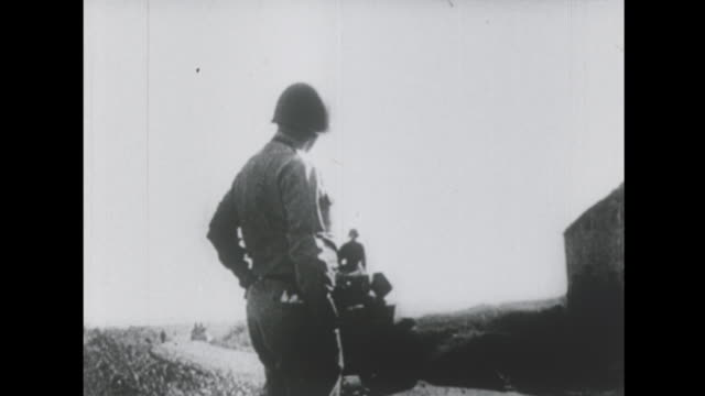 vídeos de stock e filmes b-roll de general patton leads his soldiers in sicily - 1943