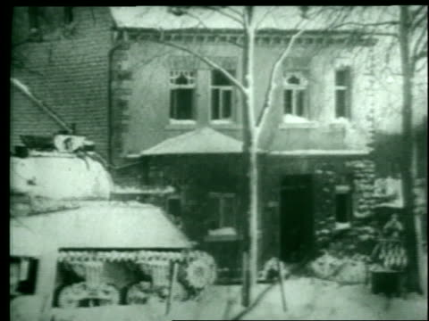 general patton's armored division's tanks fight against the germans in bastogne, belgium. - ardennenoffensive stock-videos und b-roll-filmmaterial