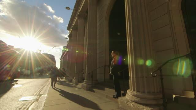 general shots of the bank of england london - 金融関係施設点の映像素材/bロール