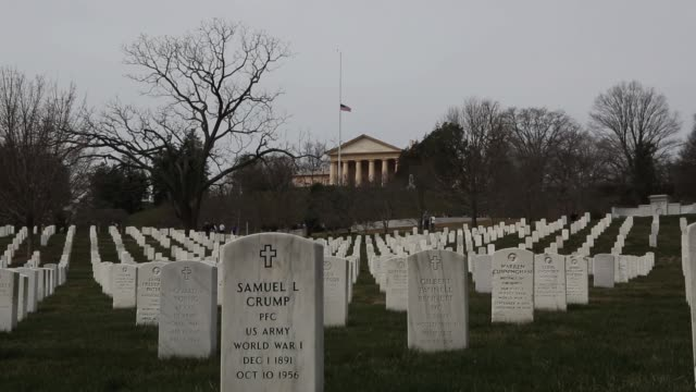 vídeos de stock e filmes b-roll de general view arlington cemetery with arlington house in background resting place for heroes arlington national cemetery on march 11 2013 in arlington... - cemitério nacional de arlington