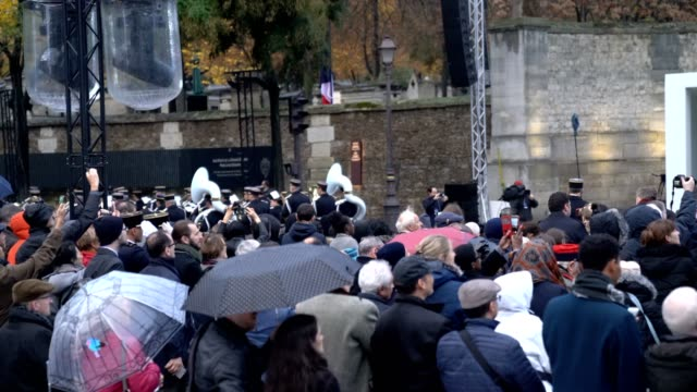 general view during the 100th anniversary of the end of the first world war at cimetierre du pere lachaise, where a war memorial with the names of... - remembrance day stock videos & royalty-free footage