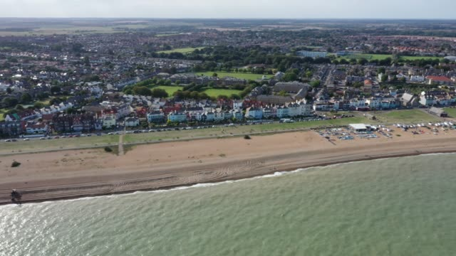 general view from a drone of deal beach which has seen many migrant landings by dinghy from france in recent years on september 10, 2020 in dover,... - kent england bildbanksvideor och videomaterial från bakom kulisserna