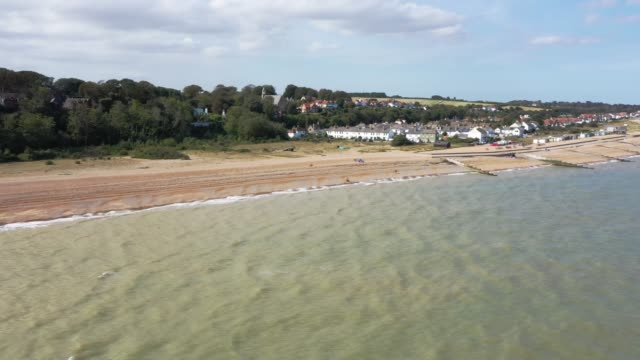 general view from a drone of kingsdown beach which has seen many migrant landings from france by dinghy in recent years on september 10, 2020 in... - kent england bildbanksvideor och videomaterial från bakom kulisserna