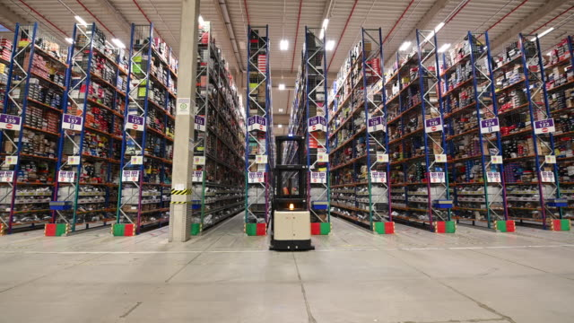 general view inside the amazon fulfillment centre as workers gear up for black friday and christmas on november 13, 2018 in swansea, wales. the... - satisfaction stock videos & royalty-free footage