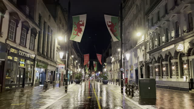 """general view of a quiet st. mary street in cardiff city centre on the first saturday night of the """"firebreak"""" which is aimed at reducing the number... - number 9 video stock e b–roll"""