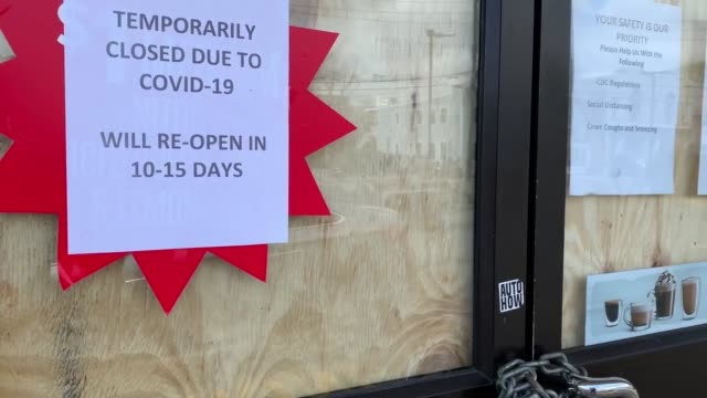 a general view of a shuttered 711 store on april 08 2020 in farmingdale new york as the coronavirus pandemic continues the death toll in the us is... - economy stock videos & royalty-free footage