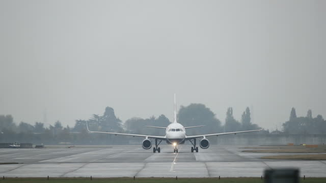 general view of airplanes taxiing at heathrow airport on october 25 2016 in london england no - taxiway stock videos & royalty-free footage