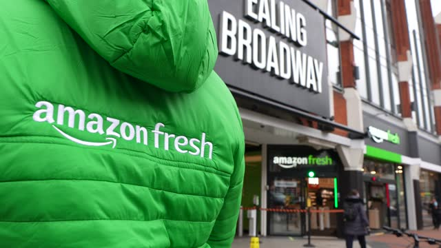 general view of amazon fresh staff outside the store on march 4, 2021 in the ealing area of london, england. shoppers at the amazon fresh store,... - shop stock videos & royalty-free footage