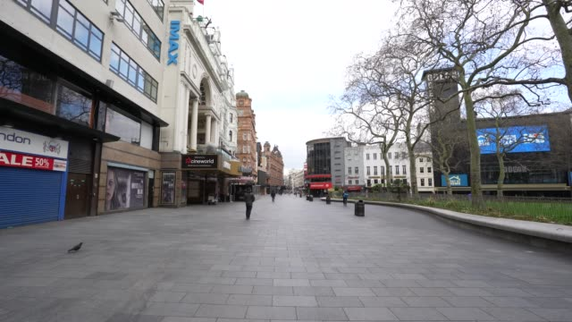 general view of an empty leicester square during a weekday on march 31, 2020 in london, england. like many other countries around the world, the... - leicester square stock videos & royalty-free footage