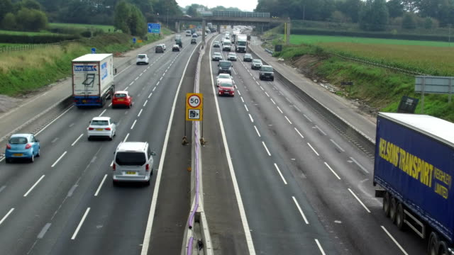 vidéos et rushes de general view of average speed cameras working on the m6 motorway in cheshire on 26 september knutsford england - radar