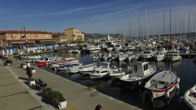 vídeos de stock e filmes b-roll de a general view of boats on february 8 2019 in sanremo italy - vista geral