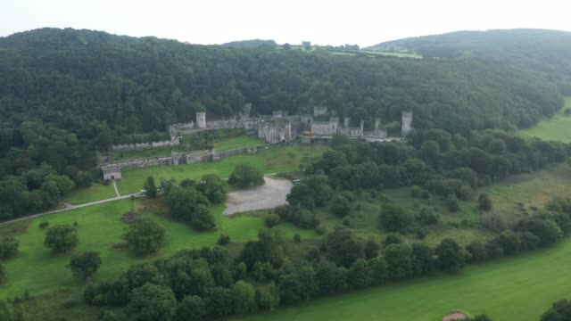a general view of castell gwyrch on august 14 2020 in abergele wales gwyrch castle rumoured to be the set of this year's itv reality tv show i'm a... - schlossgebäude stock-videos und b-roll-filmmaterial
