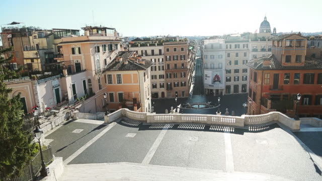 general view of empty piazza di spagna panteon piazza navona and fontana di trevi during the third week of lockdown wanted by the italian government... - piazza video stock e b–roll