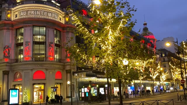 general view of le printemps haussmann christmas decorations on november 17, 2020 in paris, france. le printemps store has been closed along with all... - shop window stock videos & royalty-free footage