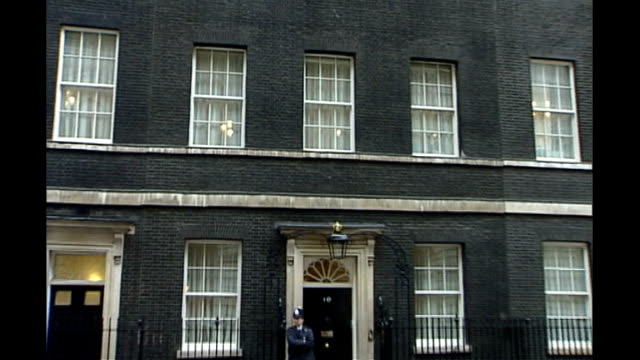 general view of number 10 downing street zoom in to upper storey window - general view stock videos & royalty-free footage