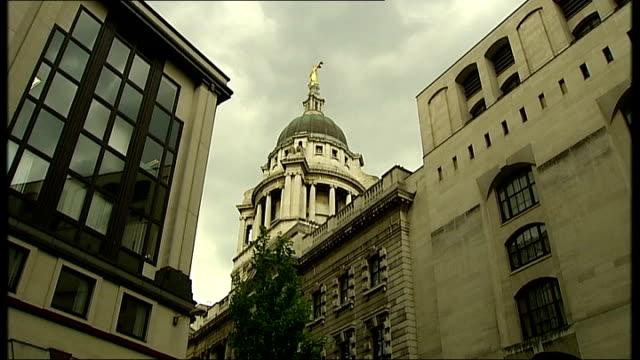 general view of old bailey and close shot of scales of justice statue - equal arm balance stock videos and b-roll footage