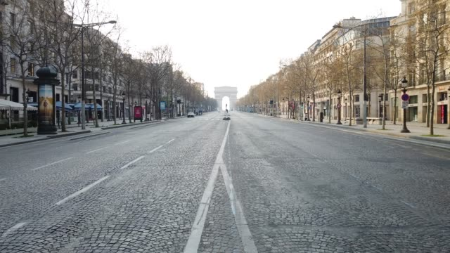 general view of paris. france continues the lockdown to tackle coronavirus for the 15th day after the total number of fatalities from the outbreak... - avenue des champs elysees stock videos & royalty-free footage