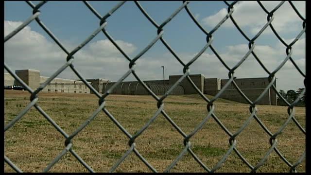 general view of pulaski county detention center prison windows - georgia stock-videos und b-roll-filmmaterial