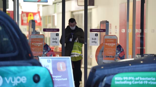 general view of sainsbury's supermarket in kensington on january 12, 2021 in london, england. in response to government ministers voicing concerns... - groceries stock videos & royalty-free footage