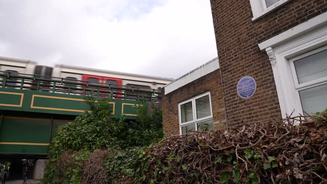 GBR: English Heritage's Blue Plaque to Ellen and William Craft