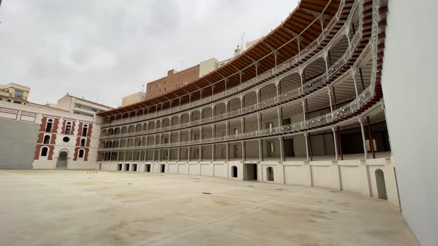 general view of the fronton beti jai on march 01, 2021 in madrid, spain. built in 1893 to capitalize on the popularity of ball game the fronton... - fronton bildbanksvideor och videomaterial från bakom kulisserna