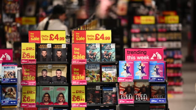 a general view of the hmv store on queen street on december 28 2018 in cardiff wales the music retailer has announced it is calling in administrators... - ミュージックショップ点の映像素材/bロール