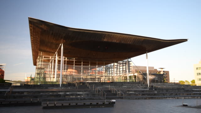 general view of the senedd, home of the welsh national assembly, at cardiff bay, wales, uk. - cardiff wales stock videos & royalty-free footage