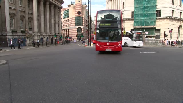 London Bank EXT GVs Bank / road signs / Traffic along at junction and outside Bank of England
