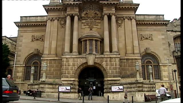 vidéos et rushes de general views bristol museum and art gallery - museum