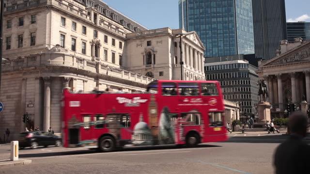 general views city of london uk on monday july 1 2019 - バンク オブ イングランド点の映像素材/bロール