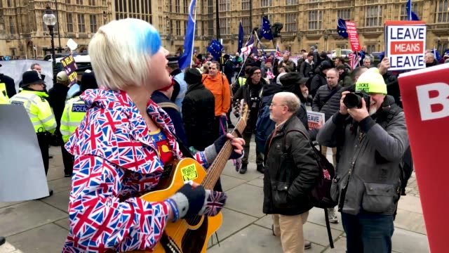 general views from proeu and probrexit protest the vote and ongoing political processes as they demonstrate near to the houses of parliament on... - 2016 european union referendum stock videos & royalty-free footage
