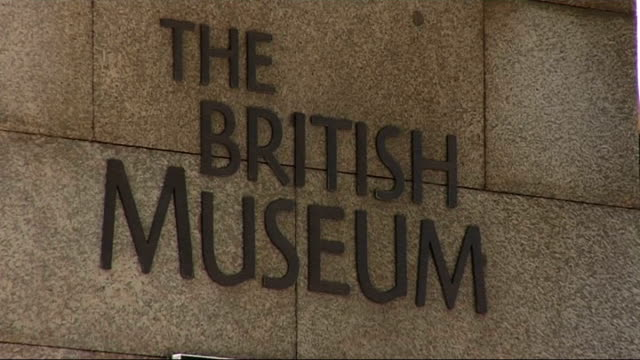 general views of british museum; england: london: the british museum: ext genreral views of british museum entrance gates - tourists and visitors... - british museum stock videos & royalty-free footage