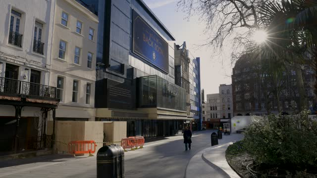 general views of odeon luxe leicester square cinema during third covid-19 national lockdown on january 22, 2021 in london, england - odeon cinemas点の映像素材/bロール